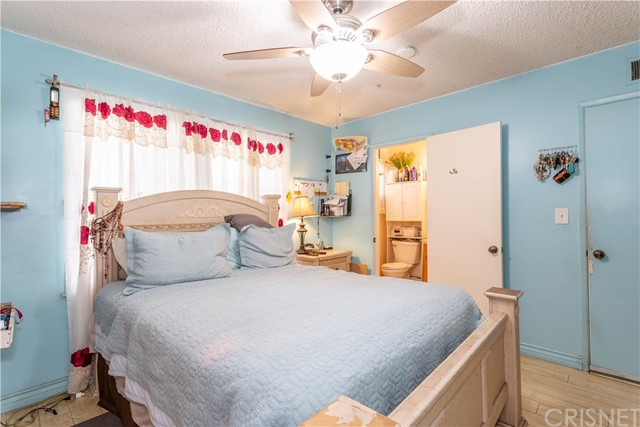 11566 Vanport Av, Lakeview Terrace, CA 91342 Photo 10