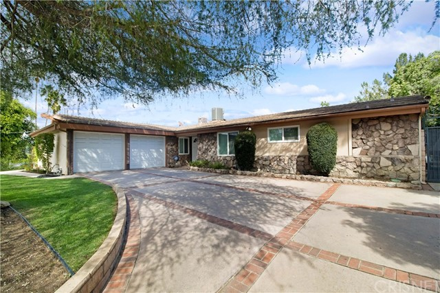 5924 Mcdonie Avenue, Woodland Hills, CA 91367