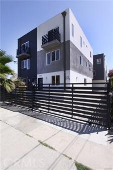5740 Case Avenue, North Hollywood, CA 91601