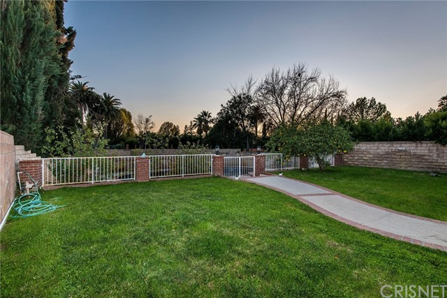 17918 Raymer St, Sherwood Forest, CA 91325 Photo 13