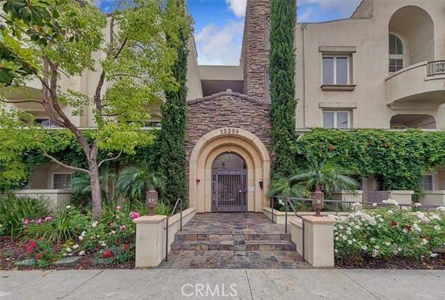 15206 Burbank Boulevard 104, Sherman Oaks, CA 91411