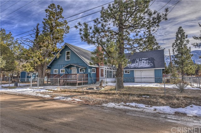 2126 5th Lane, Big Bear, CA 92314