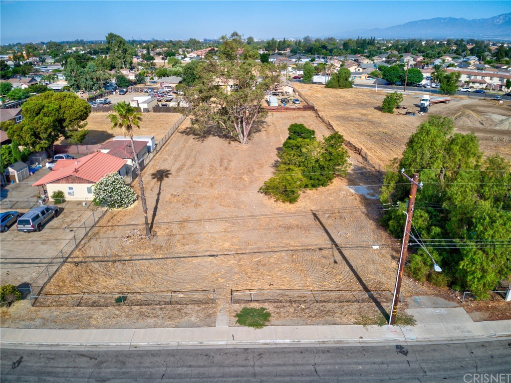Photo of 9010 Oleander Avenue, Fontana, CA 92335