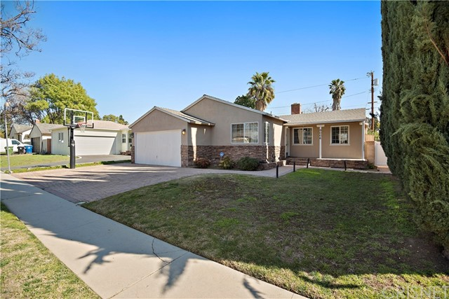 9006 Gladbeck Avenue, Northridge, CA 91324