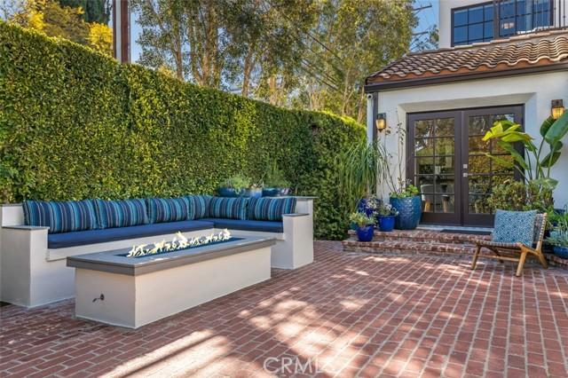39. 6402 Lindenhurst Avenue Los Angeles, CA 90048