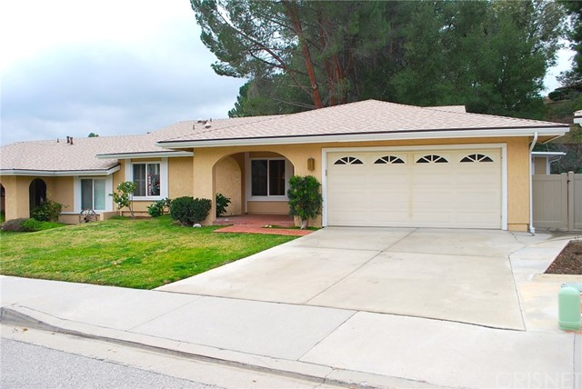 19842 Avenue Of The Oaks, Newhall, CA 91321