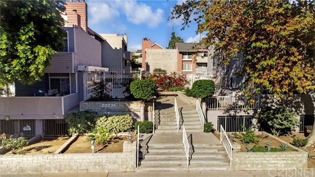 20235 Keswick Street 320, Winnetka, CA 91306
