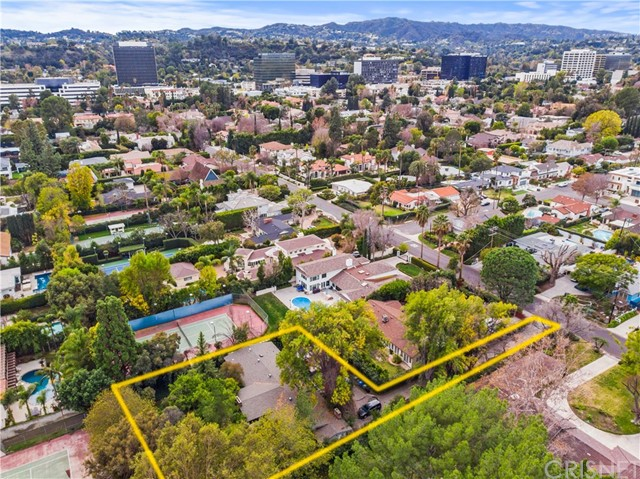 5060 Gloria Avenue, Encino, CA 91436