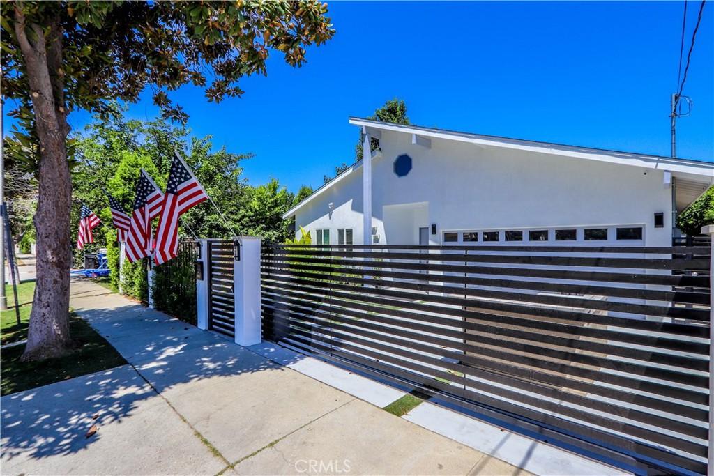 17831 17833   DELANO Street, Encino CA 91316