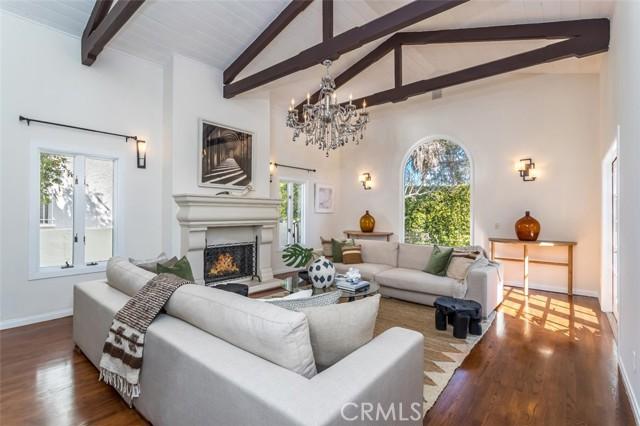 5. 6402 Lindenhurst Avenue Los Angeles, CA 90048