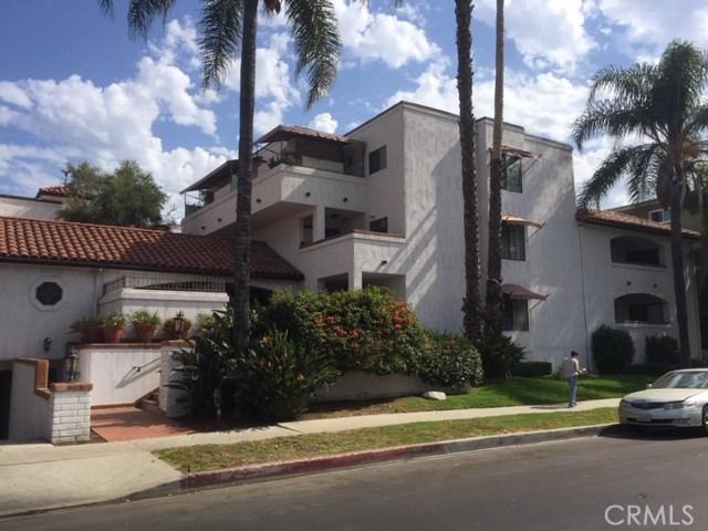 15323 Weddington Street, Sherman Oaks, CA 91411