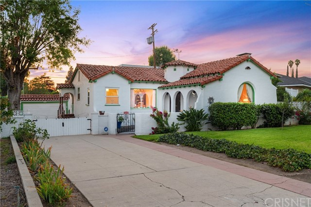 2301 Scott Road, Burbank, CA 91504