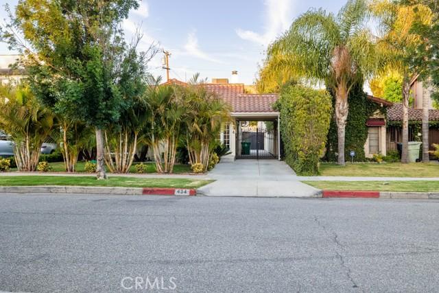 434 S Clark Drive, Beverly Hills CA: https://media.crmls.org/mediascn/444d3045-1360-461d-a80f-9c04885dd2d1.jpg