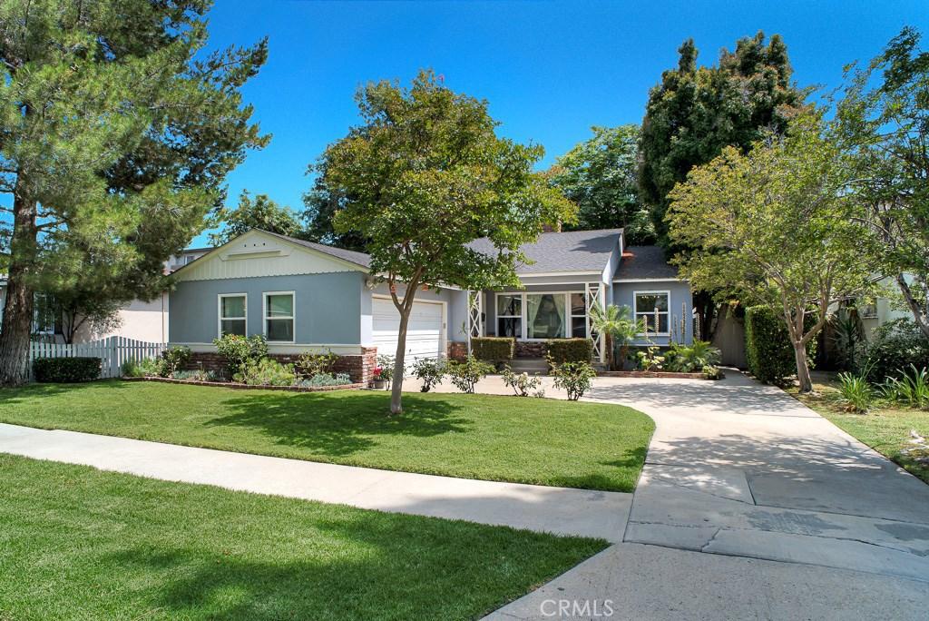 Photo of 16546 GILMORE STREET, Lake Balboa, CA 91406