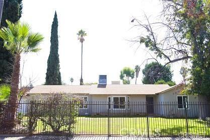 15832 Vose Street, Lake Balboa, CA 91406