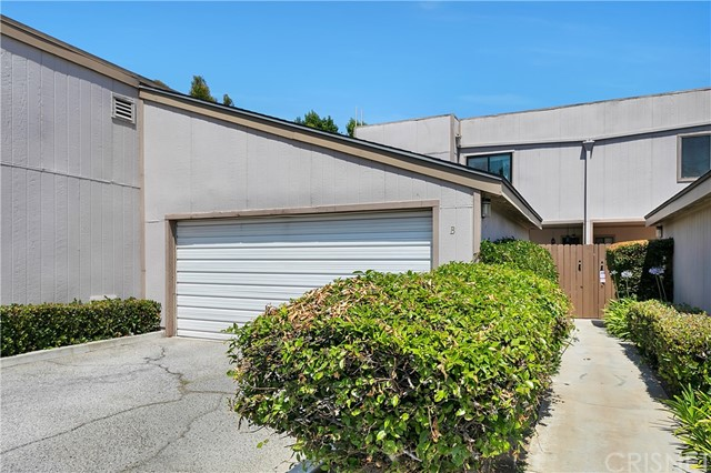 15100 Chatsworth St, Mission Hills (San Fernando), CA 91345 Photo 1