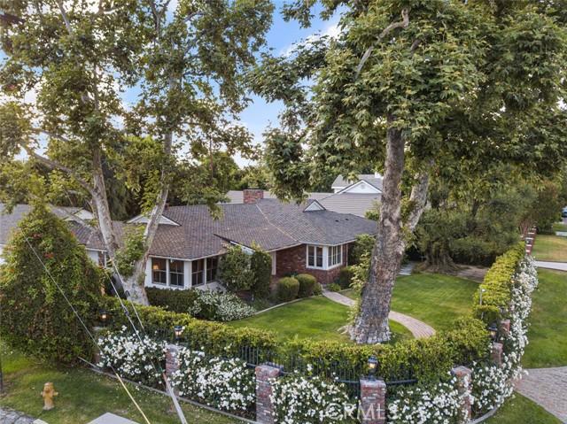 3. 4607 Forman Avenue Toluca Lake, CA 91602