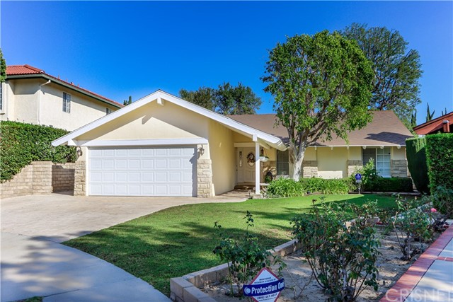 Photo of 10760 Lurie Place, Northridge, CA 91326