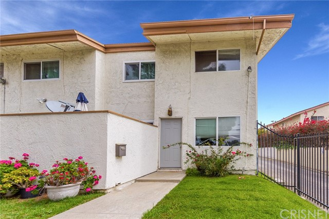 13100 Dronfield Avenue, Sylmar, CA 91342