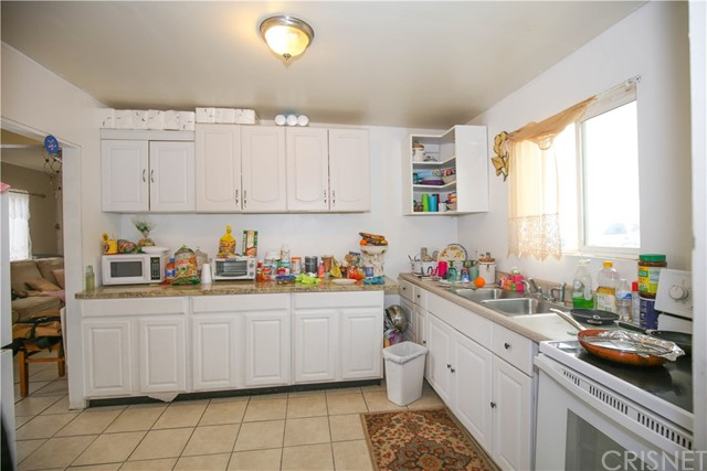 Image 11 of 47457 5th St, Lancaster, CA 93534