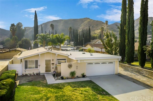 29713 Wisteria Valley Road, Canyon Country, CA 91387