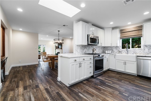 Image 13 of 816 N Mansfield Ave, Hollywood, CA 90038