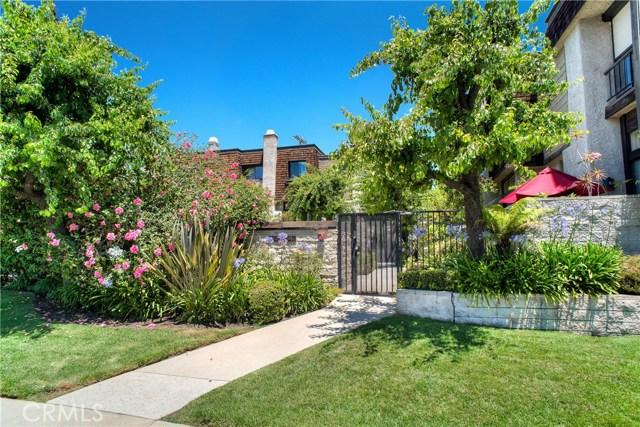 13837 Riverside Dr, Sherman Oaks, CA 91423