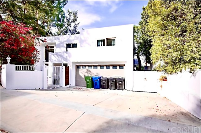 Photo of 11319 Sunshine Terrace, Studio City, CA 91604