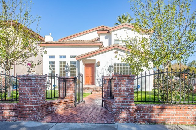 Photo of 14703 Valleyheart Drive, Sherman Oaks, CA 91403