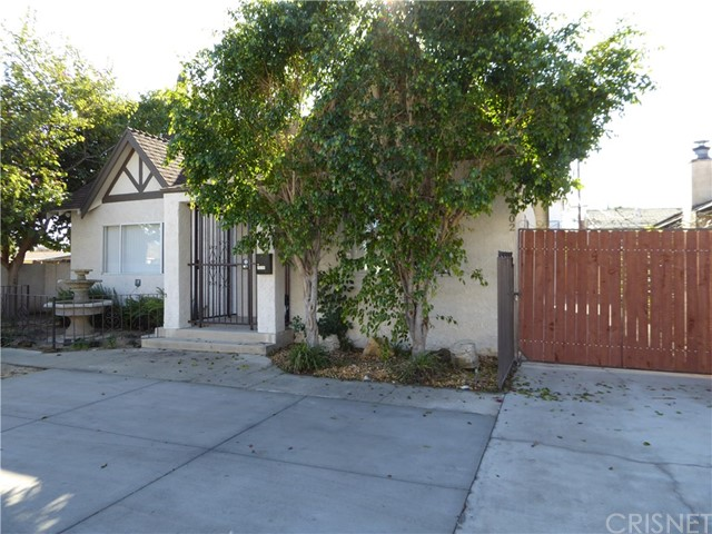 19700 Stagg Street, Winnetka, CA 91306