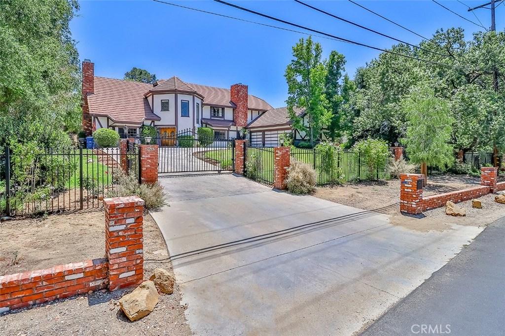 Photo of 9832 BADEN AVENUE, Chatsworth, CA 91311