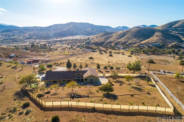 34340 Red Rover Mine Rd, Acton, CA 93510 Photo 2