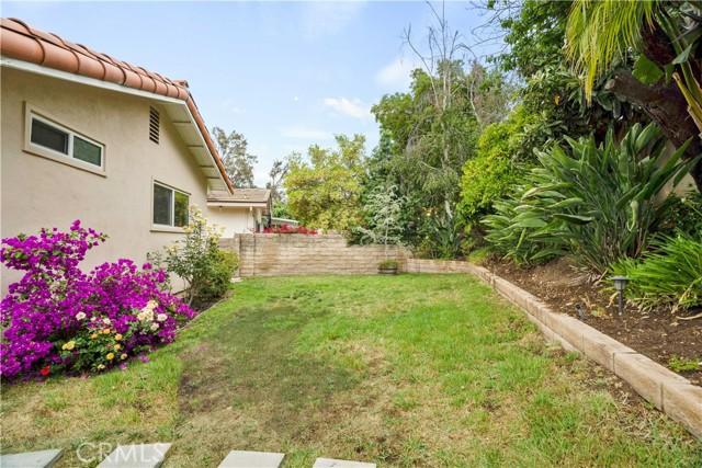 28. 1097 Finrod Court Westlake Village, CA 91361