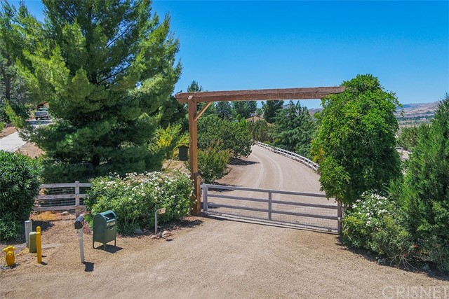 31761 Lake Meadow Rd, Acton, CA 93510 Photo 2