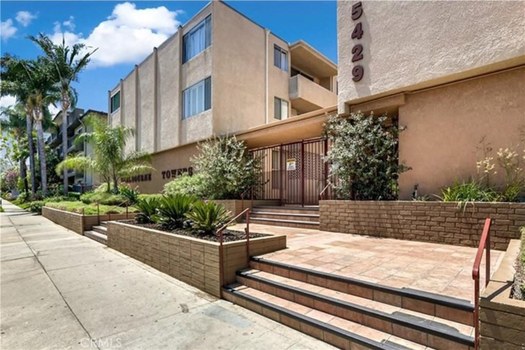 Photo of 5429 NEWCASTLE Avenue #207, Encino, CA 91316