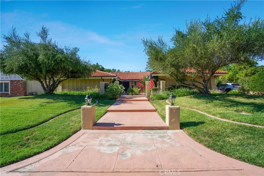 Photo of 31555 Rustic Oak Drive, Westlake Village, CA 91361