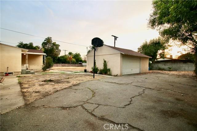 10007 Lemona Avenue, Mission Hills (San Fernando) CA: https://media.crmls.org/mediascn/4d866d0b-392e-42f0-b040-48cee1976bae.jpg