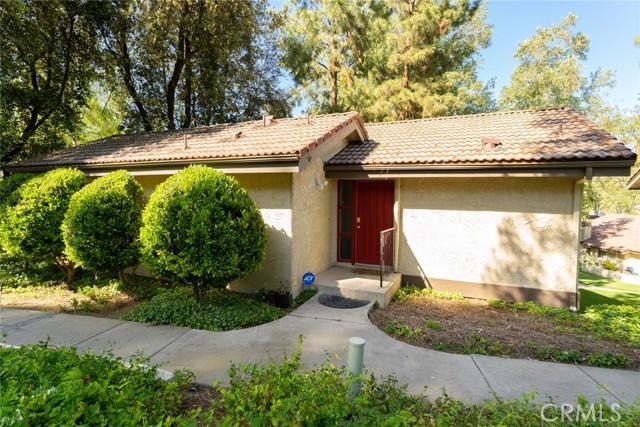 66 Mockingbird Court Oak Park, CA 91377