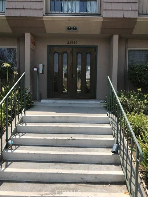 22040 CALVERT Street 3, Woodland Hills, CA 91367