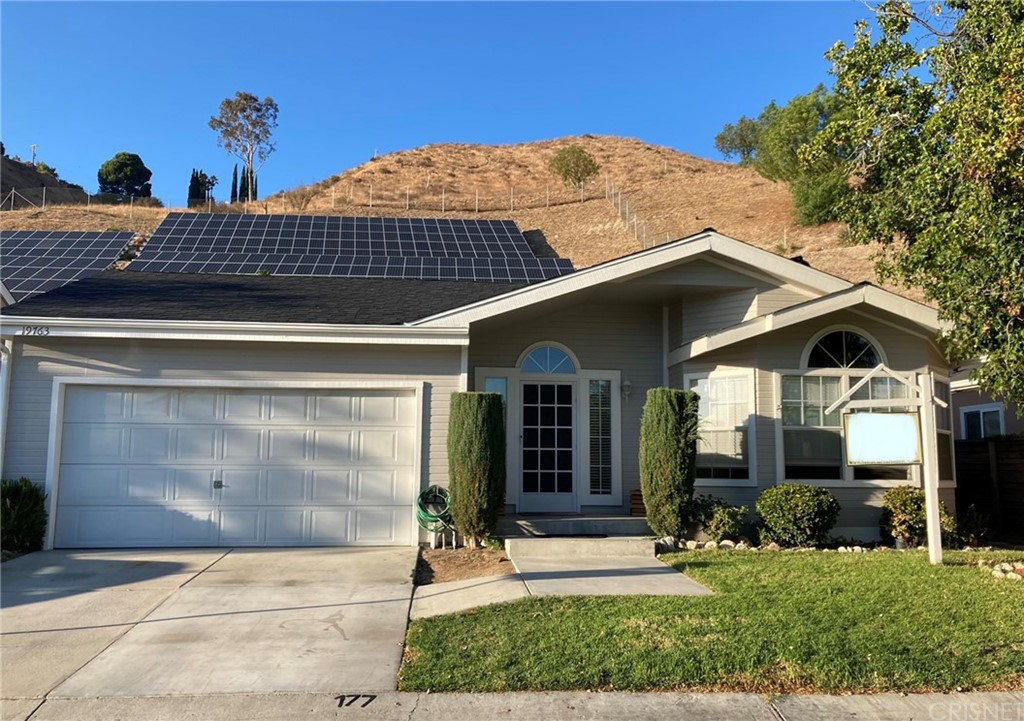 19763     Northcliff Drive, Canyon Country CA 91351