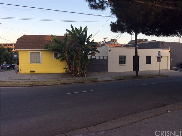 3373 S Robertson Boulevard S, Los Angeles, CA 90034