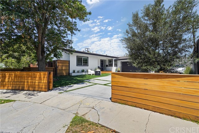 2. 5537 Bevis Avenue Sherman Oaks, CA 91411