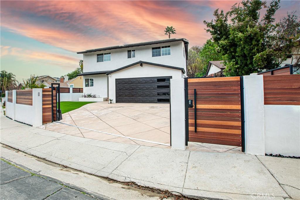 5338     Don Pio Drive, Woodland Hills CA 91364