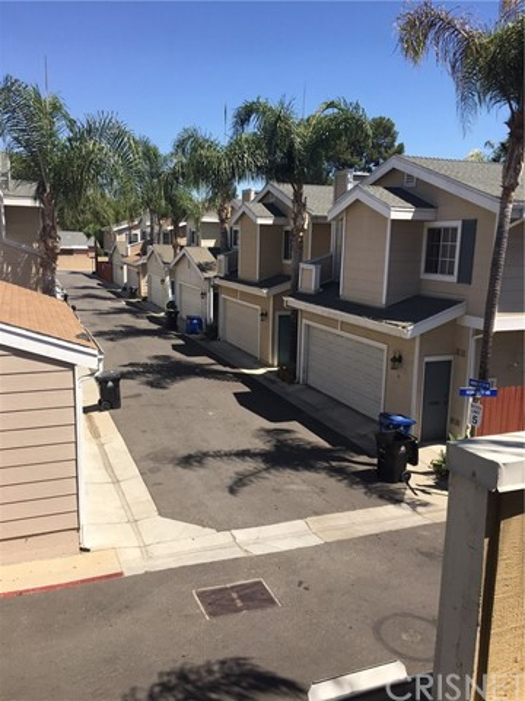 17726 Kinzie Street 82, Northridge, CA 91325