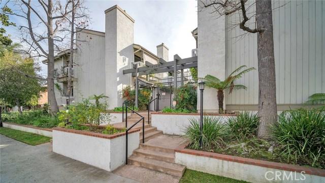 14348 Riverside Drive 16, Sherman Oaks, CA 91423