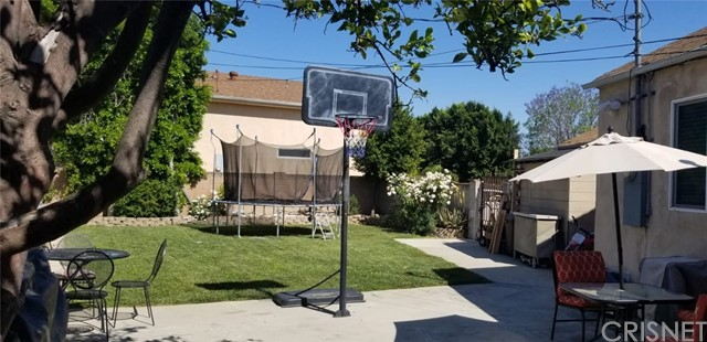6702 Bellaire Avenue, North Hollywood, CA 91606