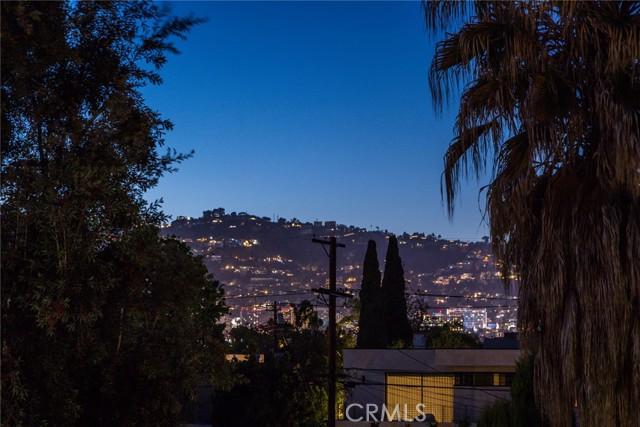 30. 6402 Lindenhurst Avenue Los Angeles, CA 90048