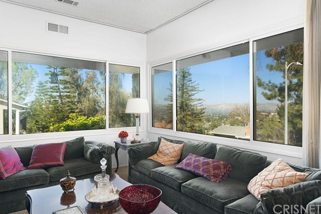 22620 Flamingo Street, Woodland Hills, CA 91364