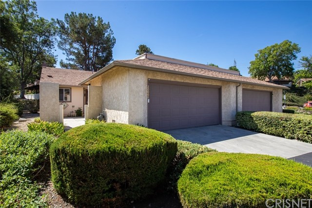 20008 Avenue Of The Oaks, Newhall, CA 91321
