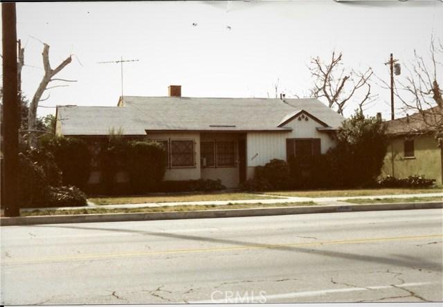 17118 Saticoy Street, Lake Balboa, CA 91406